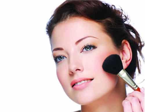 Las revocaciones sobre la máscara para los cabellos alerana