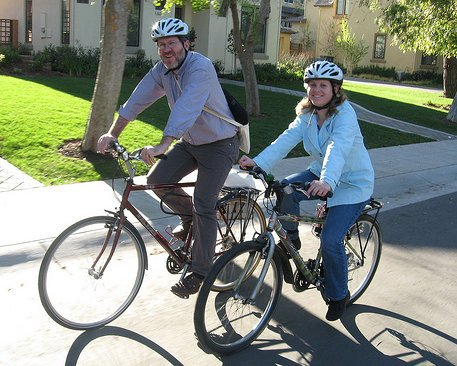 andar-en-bicicleta-te-ayudara-a-perder-y-controlar-ese-peso-que-tanto-quieres_zrsov