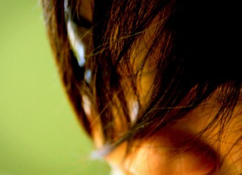 aprende-como-arreglar-un-mal-corte-de-cabello_btj6p