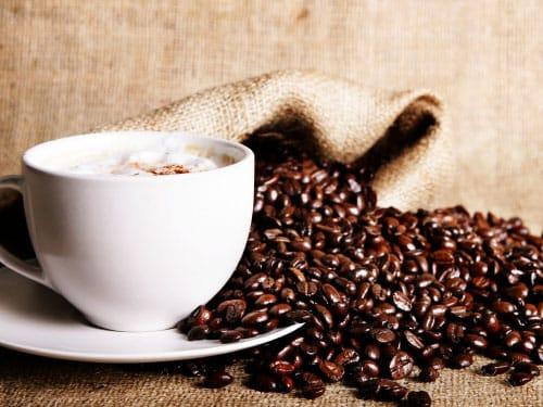 cafeina-para-el-cuidado-de-la-piel_hutxs