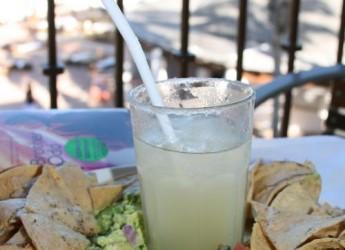 cinco-de-mayo-guacamole-y-margaritas-libre-de-culpa_x18s6