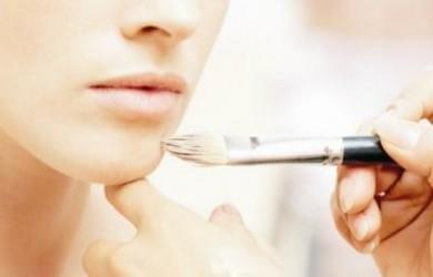 como-aplicar-el-maquillaje-sobre-una-piel-seca_90fz2