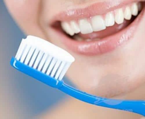Cómo cuidar nuestras encías para conseguir unos dientes sanos y fuertes. Parte II.
