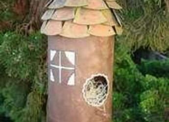 como-fabricar-un-casa-de-pajaros-con-una-botella-de-plastico_ikump