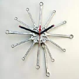 como-hacer-un-reloj-con-llaves-fijas_uo9nl