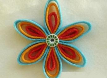 como-hacer-una-bonita-flor-con-fieltro_kzwt6