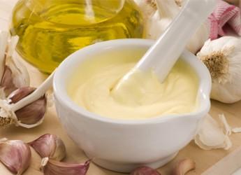 como-hacer-una-mayonesa-ligera-evita-el-huevo_cojah