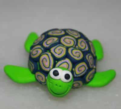como-hacer-una-simpatica-tortuga-con-una-nuez_g1wt5