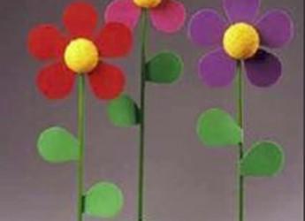 como-hacer-unas-flores-con-fieltro-y-cocos_m1cqx
