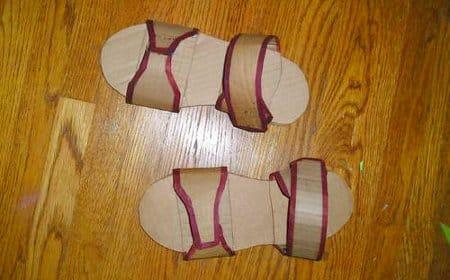 como-hacer-unas-sandalias-de-carton_6zcfx