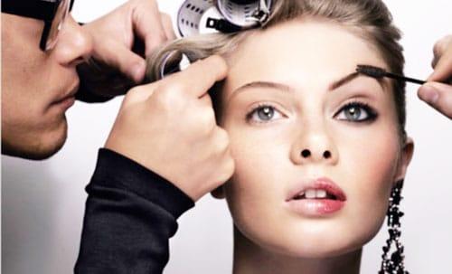 consejos-de-maquillaje-para-la-revitalizacion-de-ojos-cansados_dnwzs