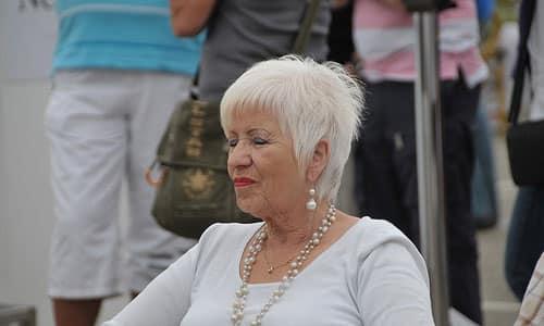 Consejos de maquillaje para mujeres de 60 ¡increíble!
