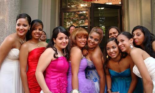 Consejos para elegir el vestido adecuado para la fiesta de graduación