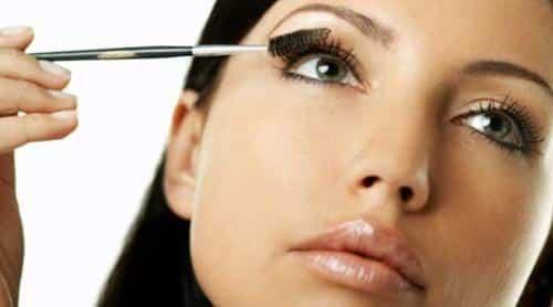 consejos-para-lograr-un-maquillaje-durarero_sg214
