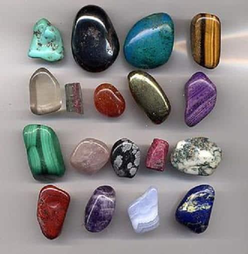 cuadro-con-gemas-decorativas_3djbh