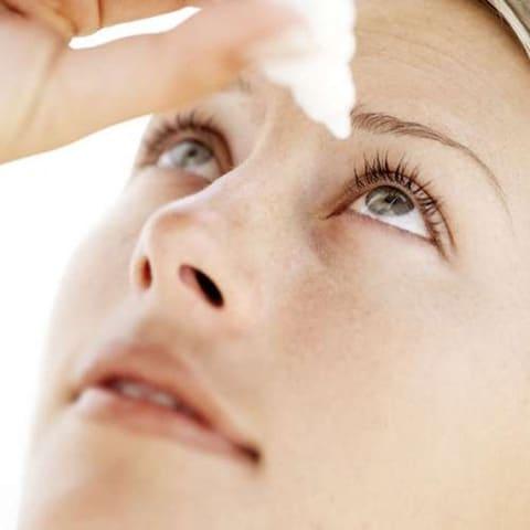 evitar-los-ojos-rojos-aprende-a-analizar-su-causa_7u3qf