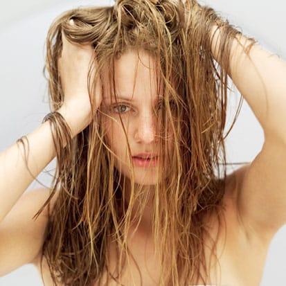 grasa-en-el-cabello-causas-y-tratamiento_8ve57