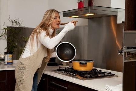 las-10-razones-principales-por-las-que-debes-cocinar-tu-propia-comida_dgbus