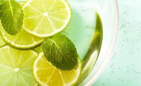 los-beneficios-de-beber-agua-de-limon-a-diario_5ex0p