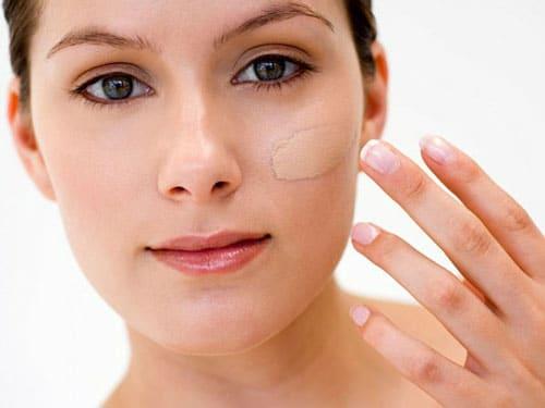 maquillaje-mineral-vs-maquillaje-liquido_qe2kd