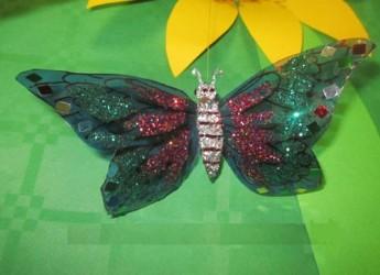 mariposas-con-botellas-de-plastico_4n3s6