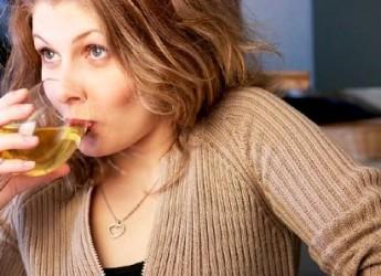 mujeres-beben-mas-cuando-estan-casadas_4sxao