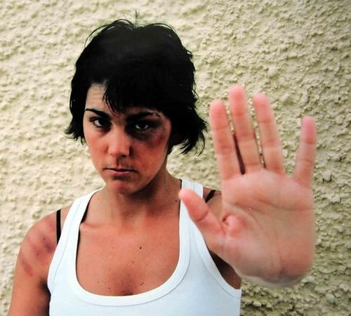 Mujeres maltratadas. Aprender a decir BASTA