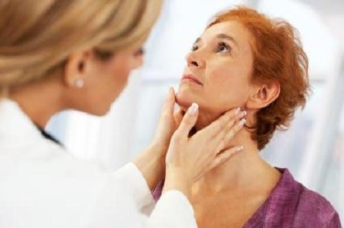 mujeres-y-tiroides_i8n5z