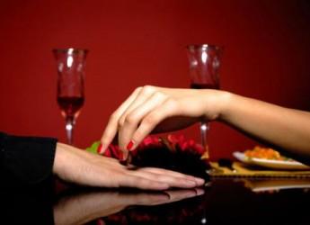 planifica-una-gran-cena-romantica-con-bajo-presupuesto_ym8v3