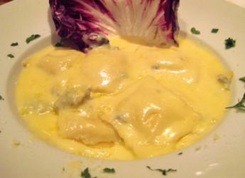 raviolis-con-salsa-a-los-cuatro-quesos_auzhf