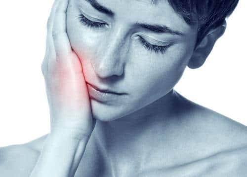 remedios-naturales-para-el-dolor-de-estomago-y-el-dolor-de-muelas_ko2q3
