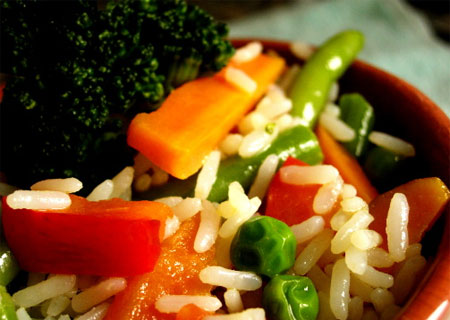 sacia-tu-apetito-y-cuida-tu-linea-hoy-arroz-con-hortalizas_1xc4m