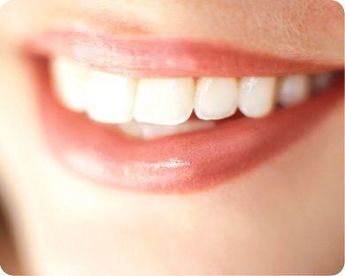 tipos-de-maquillaje-y-blancura-de-los-dientes_usvai