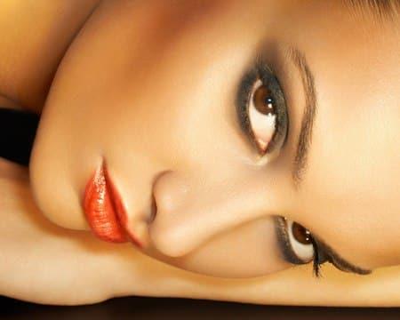 todo-lo-que-debes-saber-sobre-la-base-de-maquillaje_buhp3