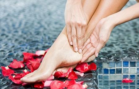 top-5-consejos-para-tener-pies-sedosos-y-suaves_saqof