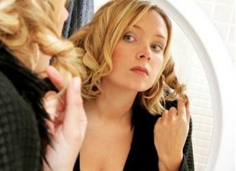 trucos-de-peinado-y-maquillaje-para-lucir-mas-esbelta_8x0uj