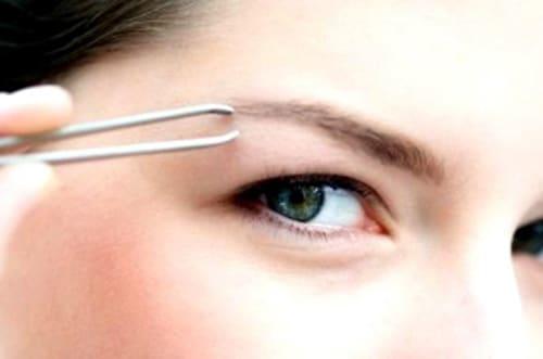 Trucos para conseguir un acabado perfecto en la depilación de tus cejas