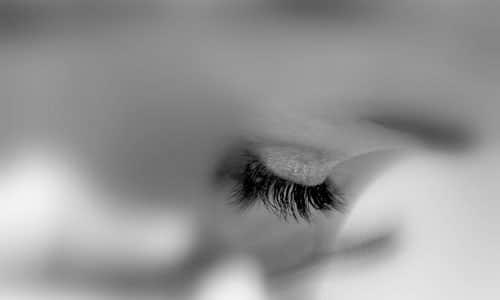 trucos-para-obtener-un-maquillaje-de-ojos-pequenos_052sl
