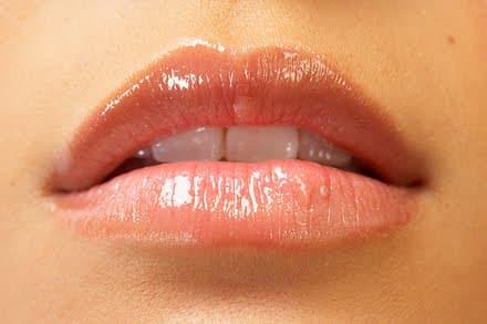 Trucos para unos labios hermosos