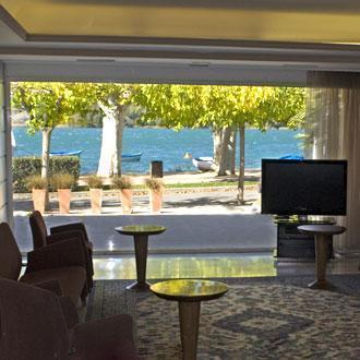 un-acogedor-alojamiento-junto-al-lago-el-hotel-mirallac_koc3d