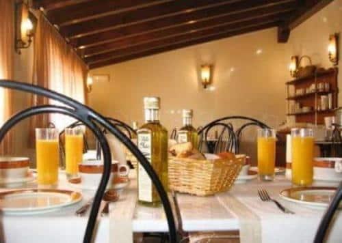 un-alojamiento-rustico-y-acogedor-el-hotel-rural-la-cabana_e0cwx