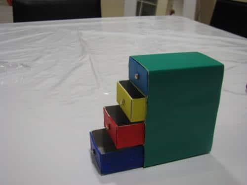 un-practico-archivador-hecho-con-cajas-de-cerillas_m96no