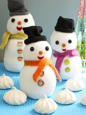 un-simpatico-muneco-de-nieve-para-nuestro-arbol-de-navidad_h95i3