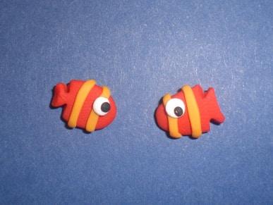 unos-bonitos-pendientes-de-fimo-en-forma-de-peces-tropicales_gz1rj